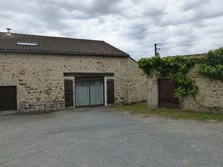 Large 2 bedroom stone gite
