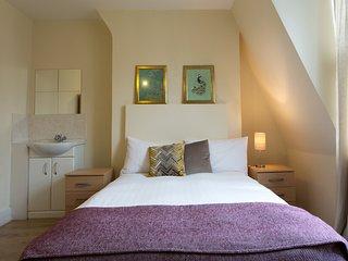 Bloomsbury Room 4 with shared bathroom (RU/CL)