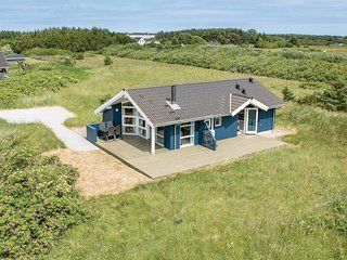 Beautiful home in Hirtshals w/ WiFi and 3 Bedrooms (A04143)