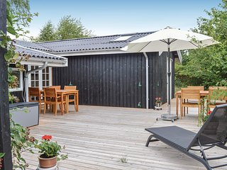 Beautiful home in Græsted w/ WiFi and 3 Bedrooms