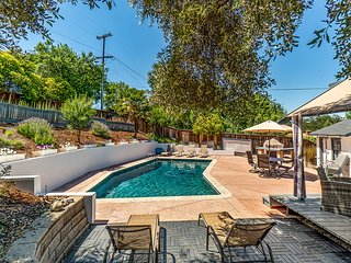 BACKYARD BLISS-Fabulous Pool Home Westside Paso