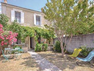 Nice home in Avignon w/ 4 Bedrooms