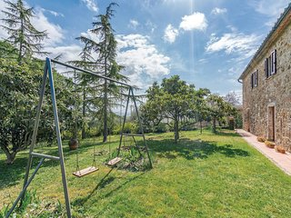 Beautiful home in Massa Marittima GR w/ 2 Bedrooms
