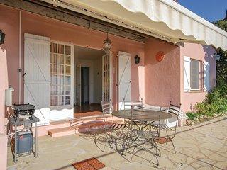 Beautiful home in Les Issambres w/ WiFi and 2 Bedrooms