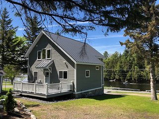 Moose River Lookout, 3 bedroom, 2 bath Home, Private Dock on Moose River,ITS 66
