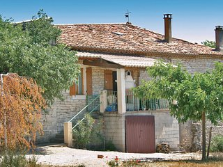 Amazing home in Barjac w/ 2 Bedrooms (FLG188)