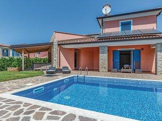Stunning home in Vilanija w/ WiFi and 3 Bedrooms (CIU646)