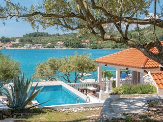 Awesome home in Vela Luka w/ WiFi and 3 Bedrooms