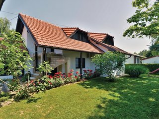 Amazing home in Legrad w/ WiFi and 2 Bedrooms