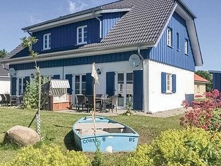 Stunning home in Altefähr/Rügen w/ WiFi and 3 Bedrooms