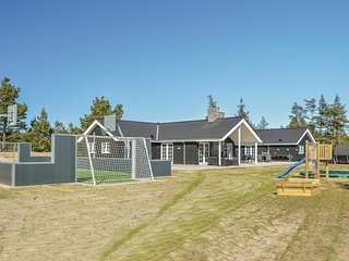 Nice home in Blåvand w/ WiFi, 9 Bedrooms and Sauna