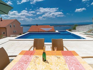 Amazing home in Dramalj w/ WiFi, 2 Bedrooms and Outdoor swimming pool