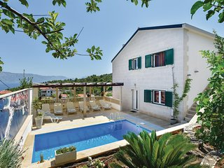 Awesome home in Postira with WiFi and 8 Bedrooms (CDB251)
