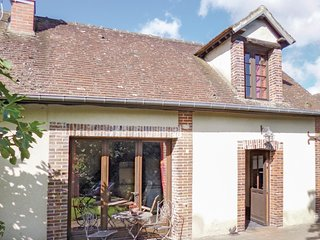 Beautiful home in Breux sur Avre w/ WiFi and 1 Bedrooms (FNE009)