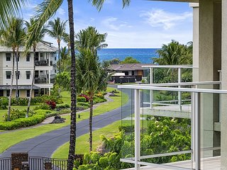 Vista Waikoloa  #B302 - Beautiful Top Floor, Newly Remodeled and Pool View!