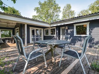 Nice home in Ebeltoft w/ WiFi and 3 Bedrooms (E4007)