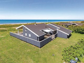 Amazing home in Sjællands Odde w/ WiFi and 3 Bedrooms