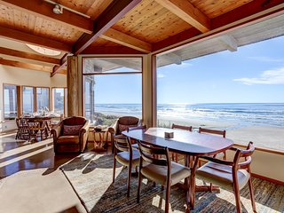Exclusive Experience: Oceanfront Luxury Beach House with Breathtaking Views