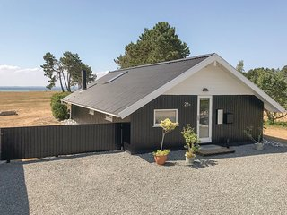 Awesome home in Sydals w/ Sauna, WiFi and 3 Bedrooms (F09248)