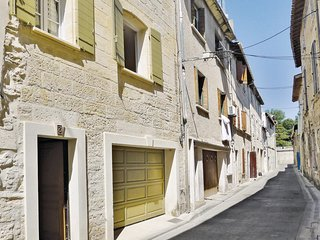 Amazing home in Beaucaire w/ WiFi and 2 Bedrooms (FLG138)