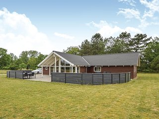 Stunning home in Rømø w/ Sauna, WiFi and 4 Bedrooms (A1009)
