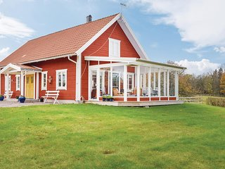 Awesome home in Mariannelund w/ Sauna and 3 Bedrooms