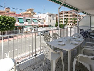 Beautiful home in Santa Pola w/ 3 Bedrooms