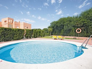 Amazing apartment in San Luis de Sabinillas w/ Outdoor swimming pool, WiFi and O