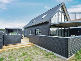 Amazing home in Rømø w/ Sauna, WiFi and 3 Bedrooms (R10406)