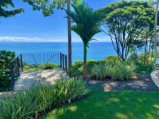Gorgeous Ocean & Mountains Views, Private & Gated Community, Private Pool