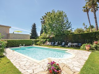 Beautiful home in Le Rouret w/ WiFi and 3 Bedrooms