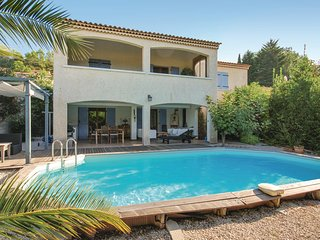 Stunning home in Le Val w/ WiFi and 4 Bedrooms
