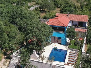 Awesome home in Dugopolje w/ WiFi, 4 Bedrooms and Outdoor swimming pool (CDC239)