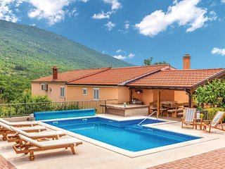 Nice home in Slivno w/ WiFi, 4 Bedrooms and Outdoor swimming pool (CDC214)