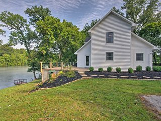 NEW! Riverfront House w/Patio & Grill in Mtn Home!
