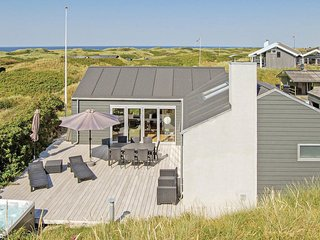 Awesome home in Løkken w/ WiFi and 4 Bedrooms (A11388)