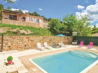 Awesome home in Bordezac w/ WiFi, Outdoor swimming pool and 3 Bedrooms