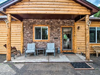 NEW! Black Hawk Mountain Cabin w/ Hot Tub + Grill!