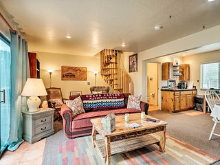 NEW! Flagstaff Cabin 1 Hr to Grand Canyon Entrance