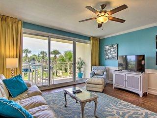 Destin Resort Condo w/ Balcony & Beach Access