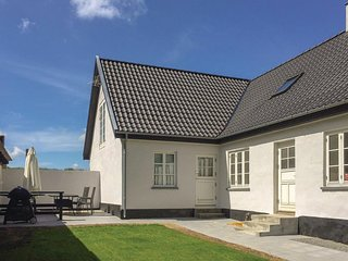 Nice home in Østermarie w/ WiFi and 3 Bedrooms (I58895)