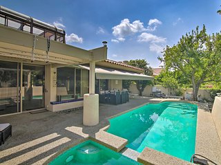 Luxe Home: Fire Pit, Pool & Spa: 3 Mi to Natl Park