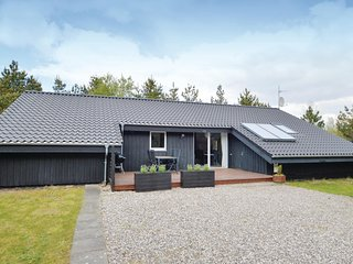 Nice home in Brovst w/ Sauna, WiFi and 4 Bedrooms