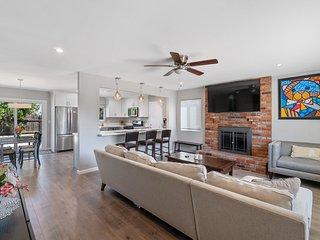 Modern & bright home in North San Diego w/ new appliances & a patio!