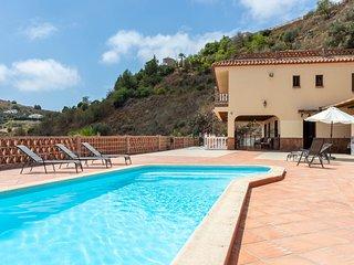 Villa Family Treasure, magnifica villa con piscina