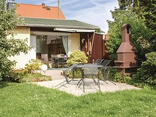 Nice home in Radebeul/Lindenau w/ 2 Bedrooms