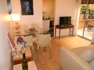 Quiet One Bedroom apartment w/ private patio in Recoleta