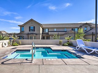 St George Area Townhome w/Patio + Pool Access