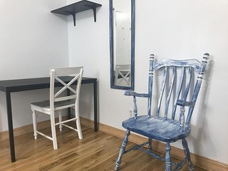 Montreal 3 bedrooms apartment (free parking, wifi)