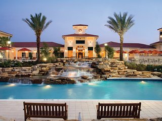 Studio Near Disney World Resort with 7 Pools, 4 Golf Courses + Restaurants